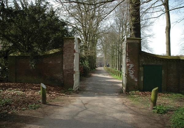 Duinvlietspad 4 Gemetselde poort ingang duinvliet