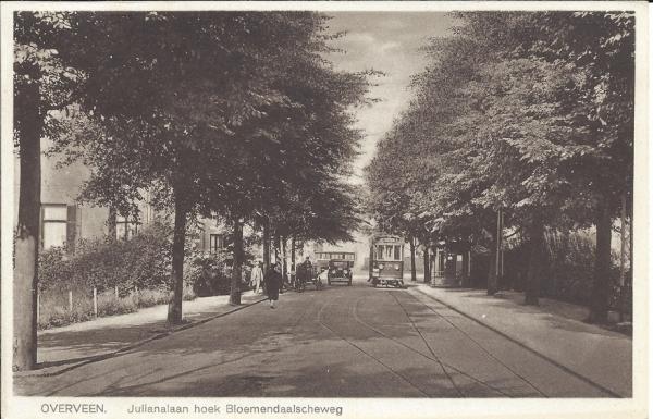 Julianalaan, met tram