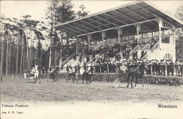 Woestduin, Renbaan Woestduin, 1904