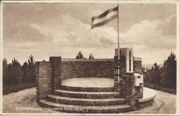 Hooge Duin en Daalscheweg, 't Kopje, Koolhovenmonument, 1933